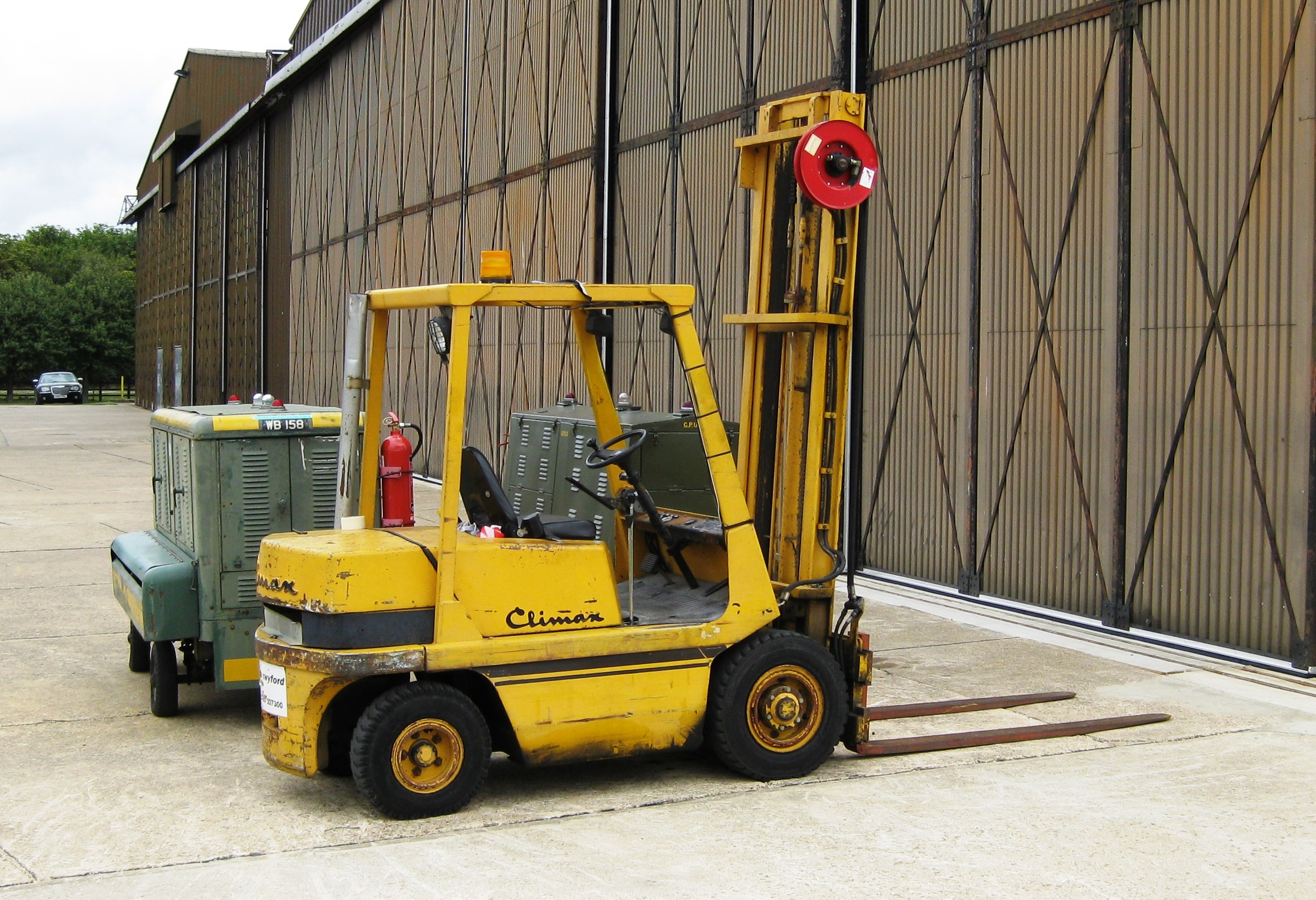 file coventry climax forklift at rest at duxford jpg. Black Bedroom Furniture Sets. Home Design Ideas