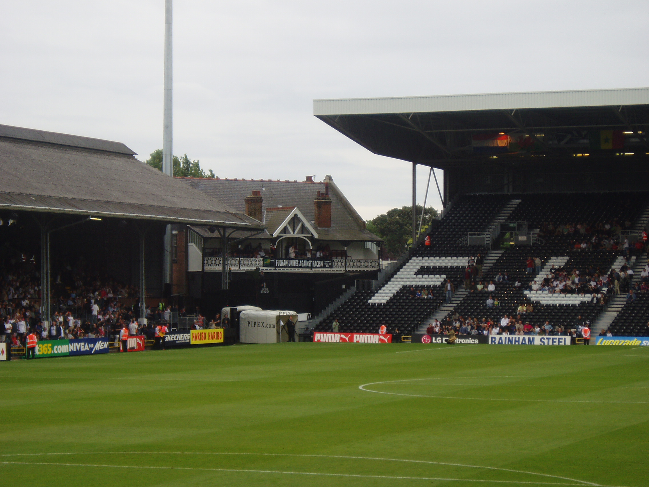 File:Craven Cottage.JPG - Wikimedia Commons