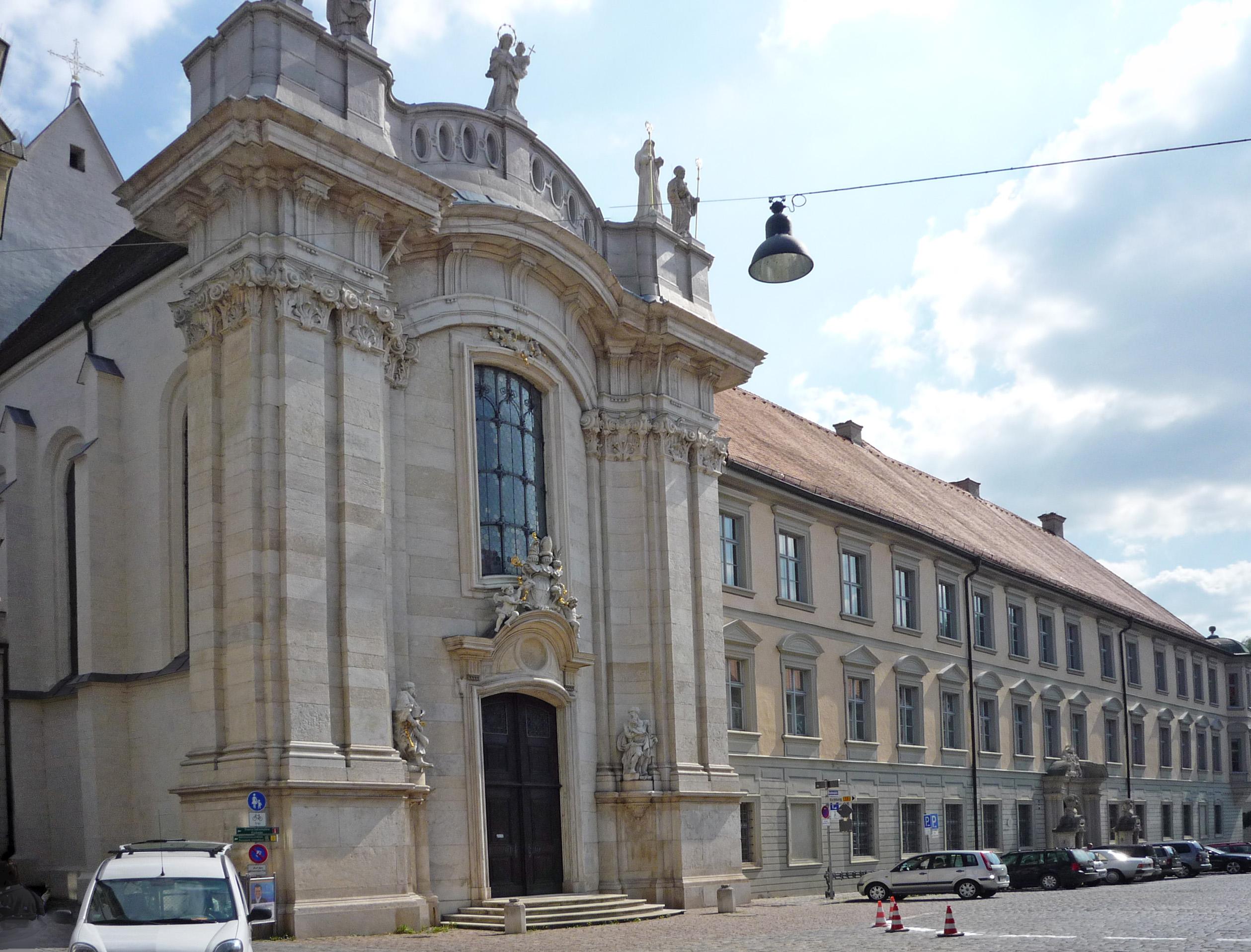 Dom, Westfassade