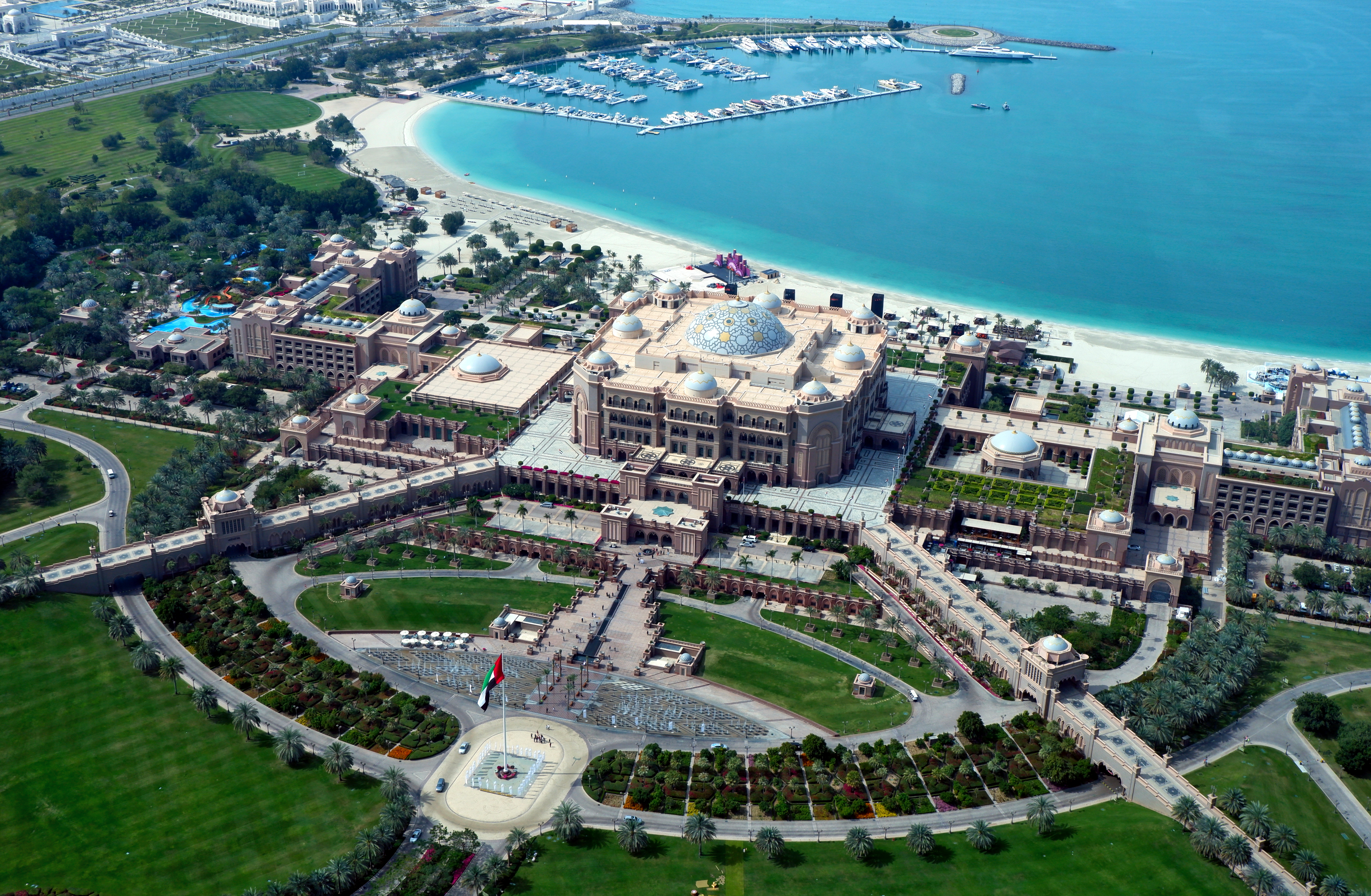 Emirates Palace - Wikipedia