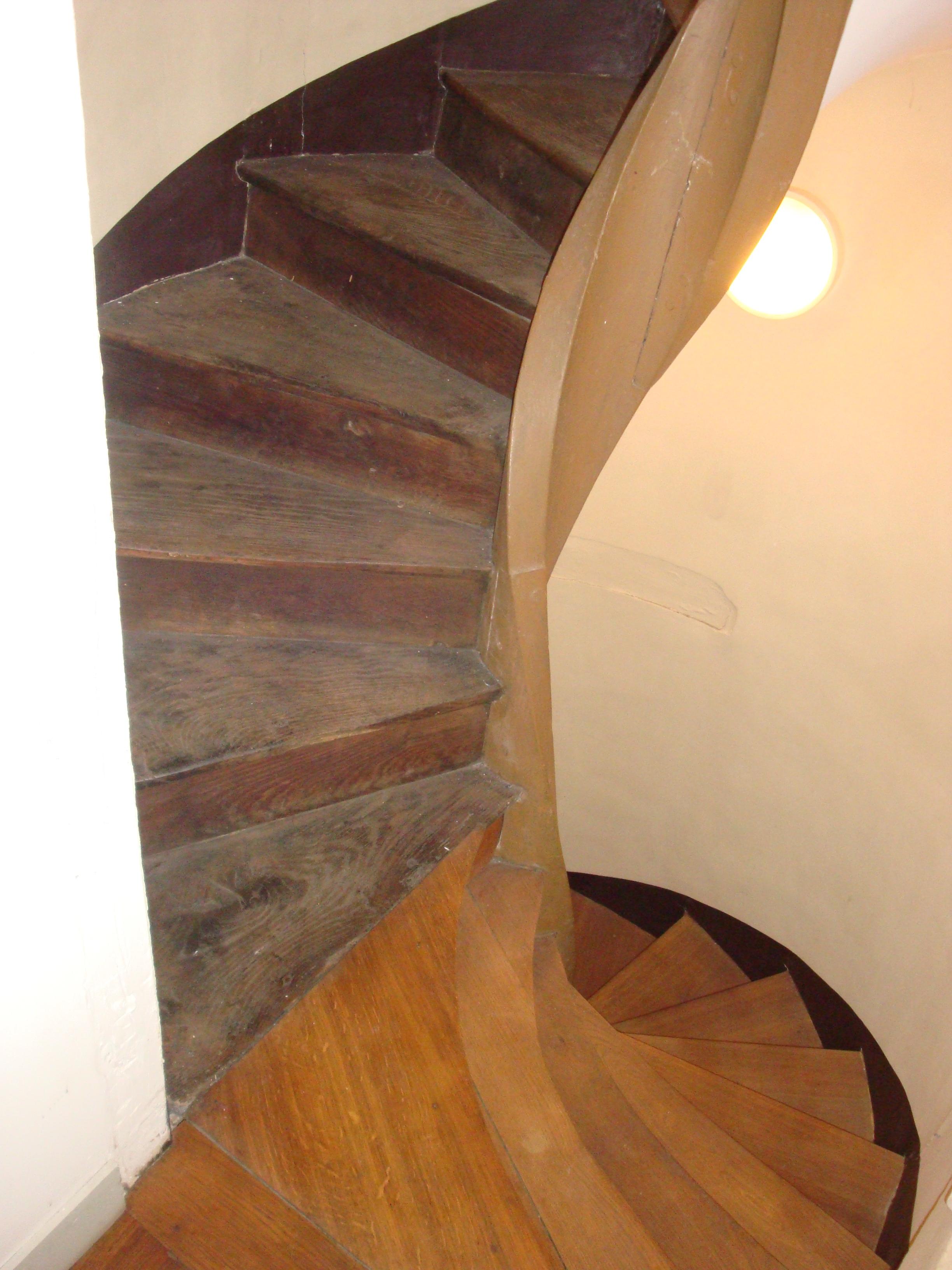 Escalier Dans La Maison file:escalier de service, maison de l'armateur 04