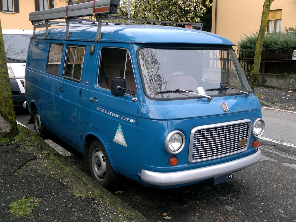File:FIAT 238 VAN.jpg