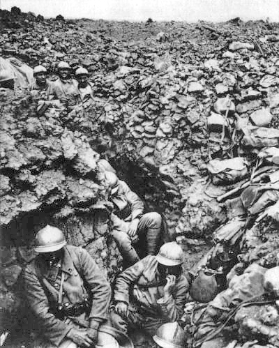 French infantry in a trench, Verdun 1916