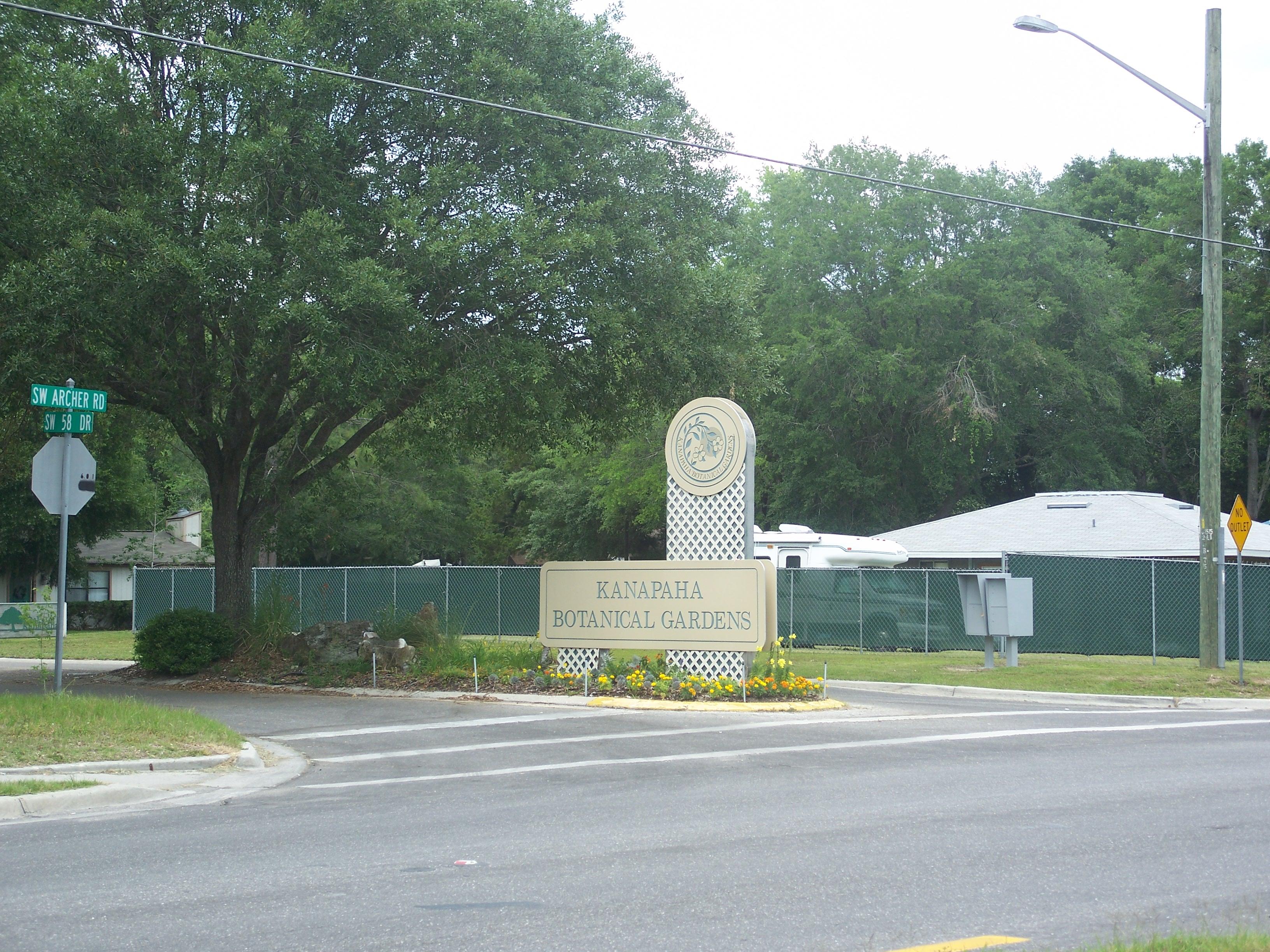 File:Gainesville FL Kanapaha Botanical Gardens Sign01