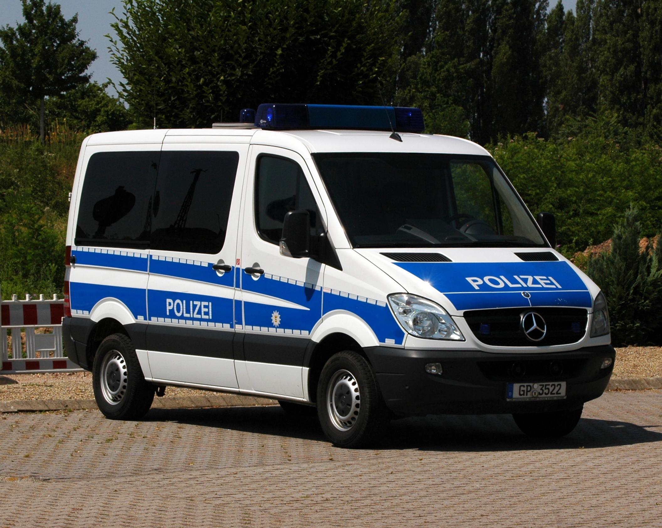 file heidelberg mercedes benz polizei streifenwagen aus. Black Bedroom Furniture Sets. Home Design Ideas