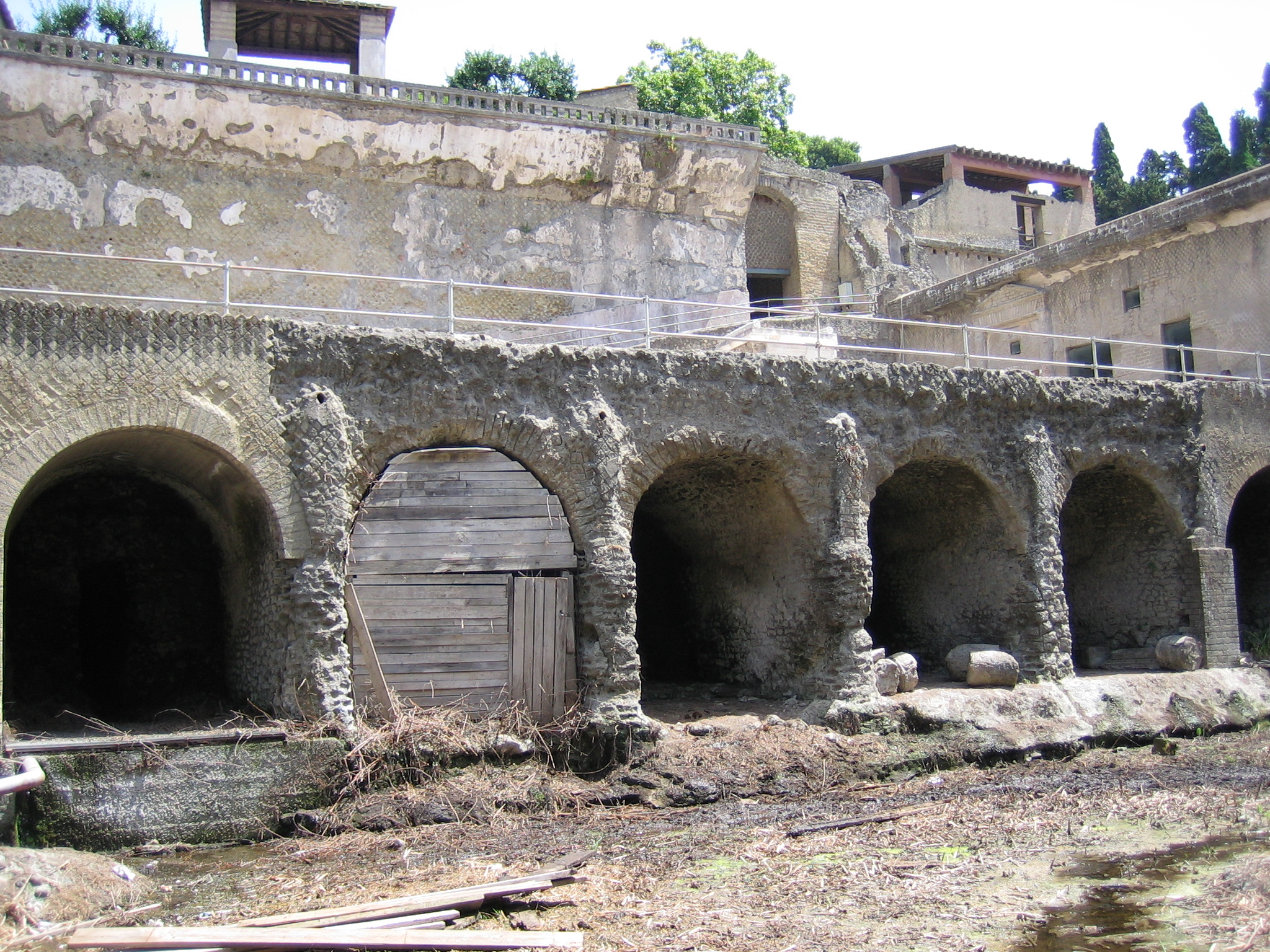 pompeii and herculaneum contributions of 19th There is much evidence in pompeii and herculaneum for the types of food eaten  reliable sources for dining in pompeii and herculaneum  a 19th century.