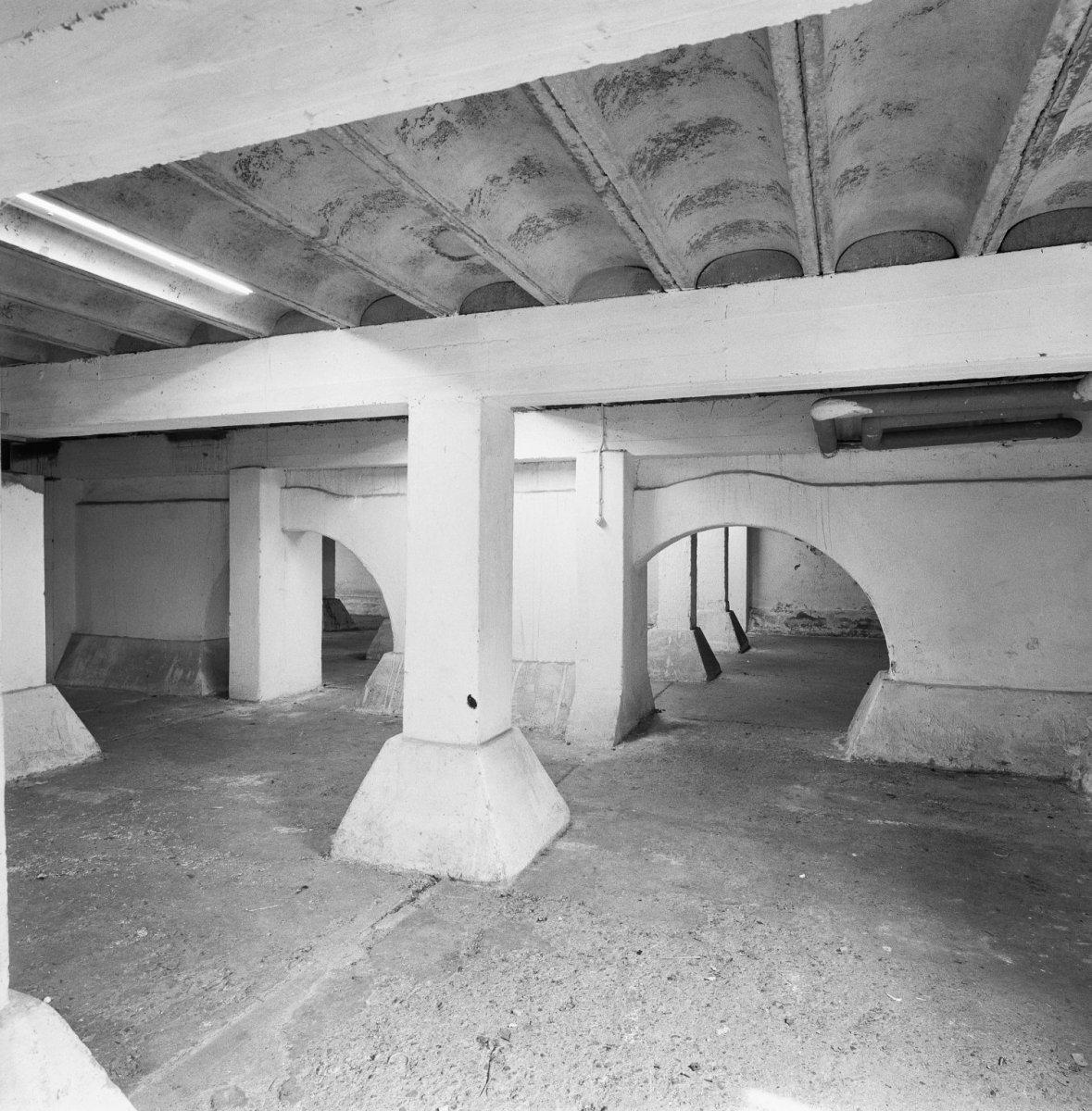 fileinterieur kelder betonnen draagconstructie nijmegen 20337527 rcejpg