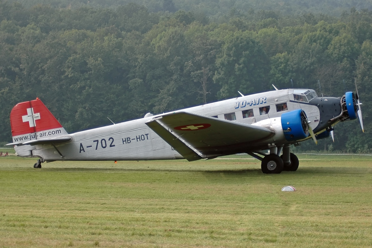 Resultado de imagem para Junkers JU52 HB-HOT
