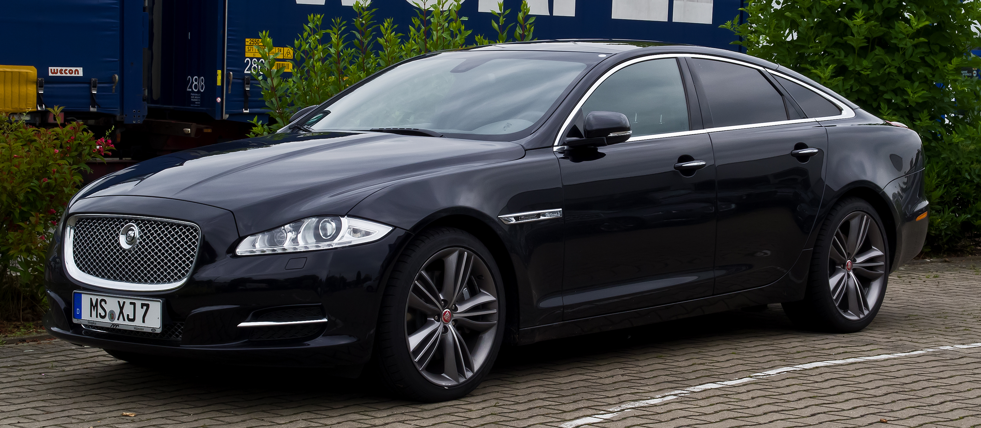 file jaguar xj 3 0 d s supersport x351 frontansicht 30 juni 2013 m wikipedia. Black Bedroom Furniture Sets. Home Design Ideas