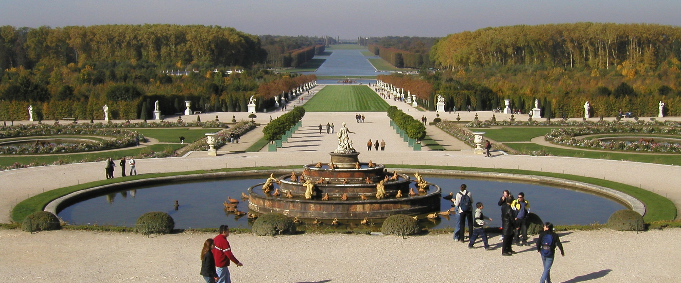 File jardin wikimedia commons for Jardin a la francaise versailles