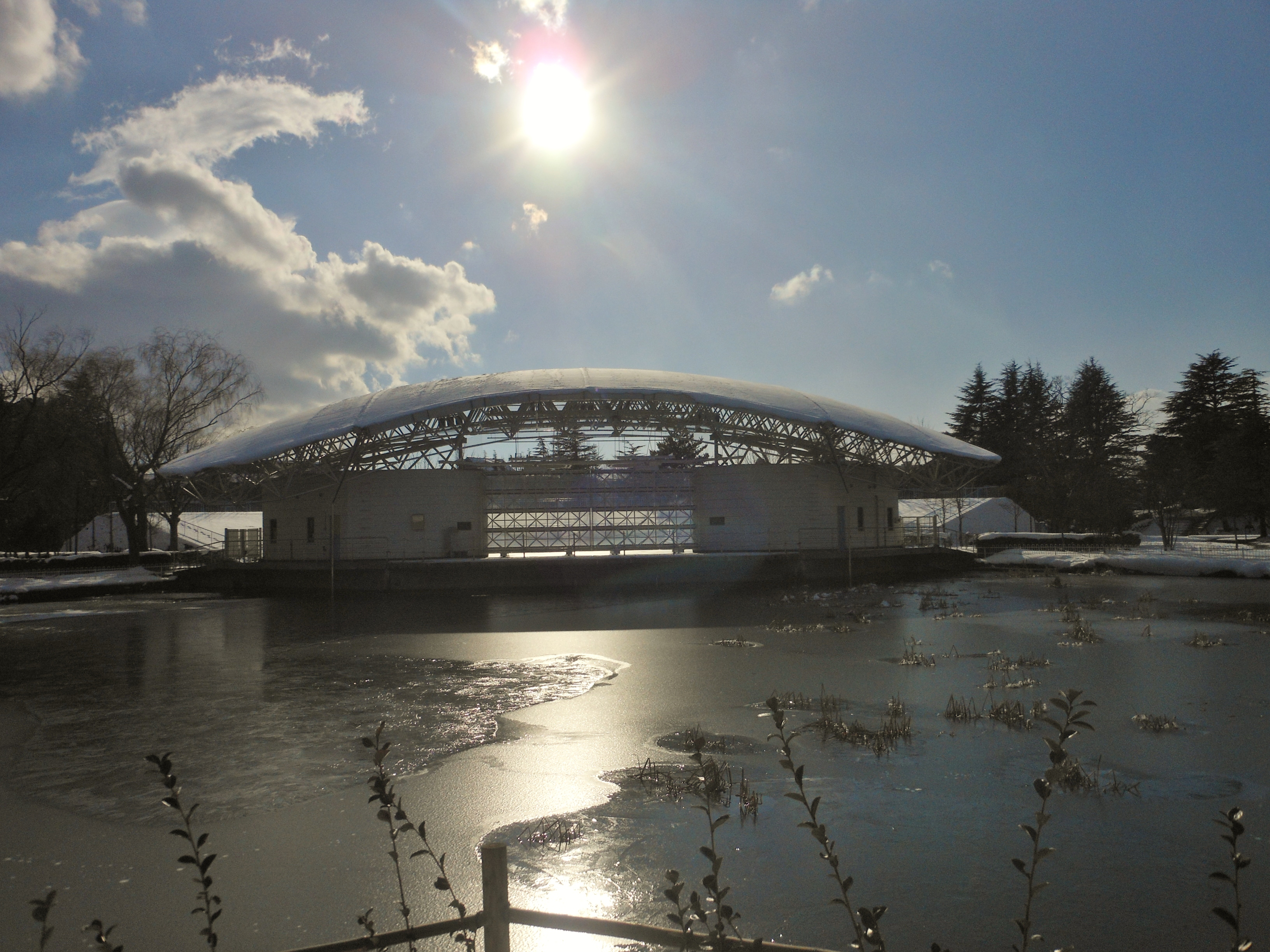 File:Kaiseizan Outdoor Concert Theater in Snow.jpg - Wikimedia Commons