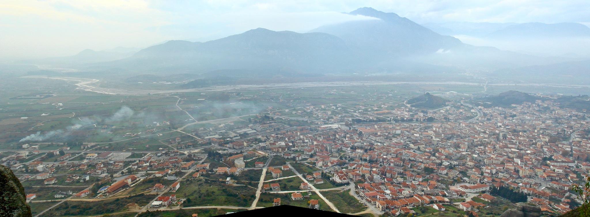 File:Kalambaka, Meteora, Greece.jpg