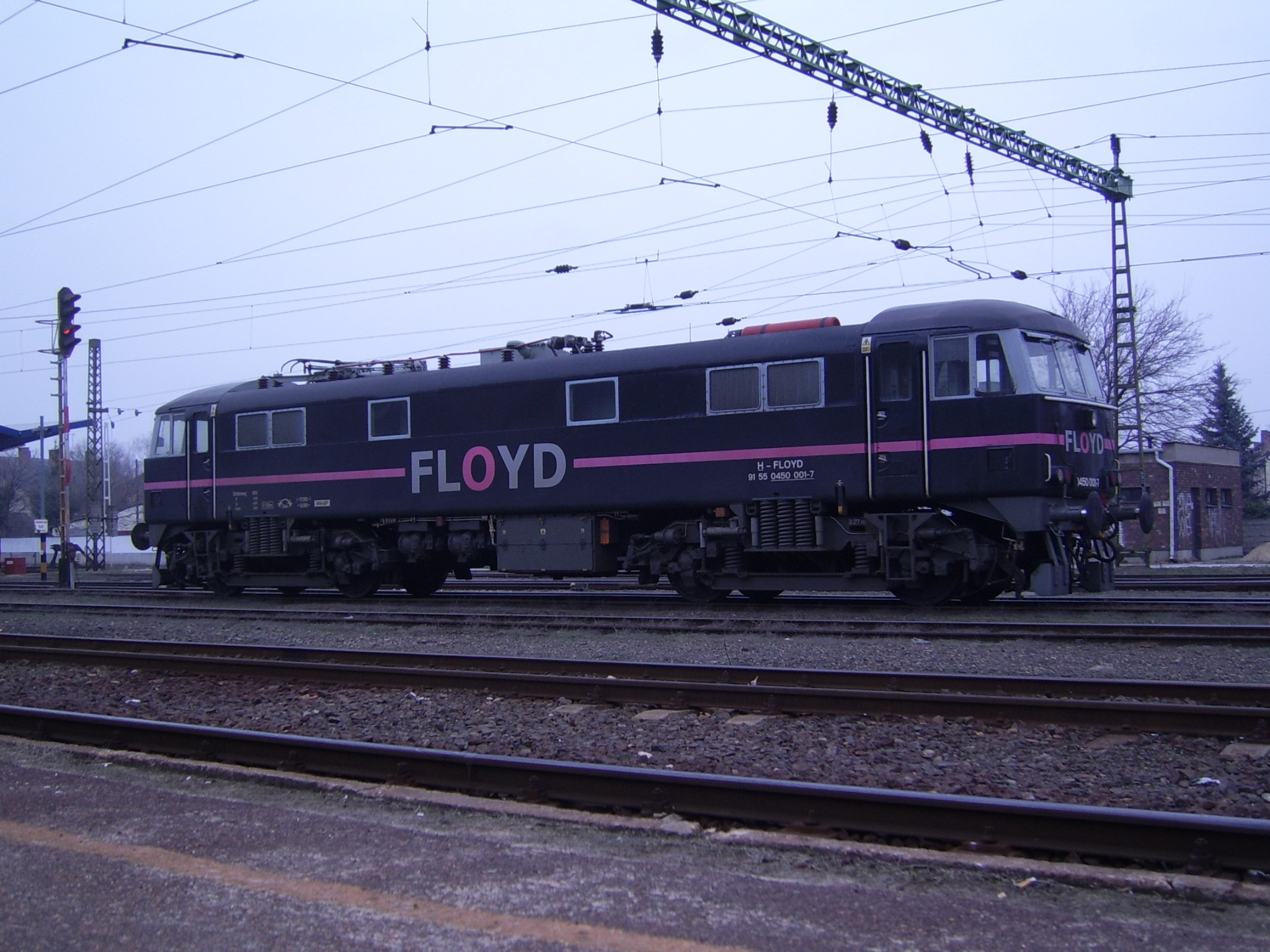 86248 0450 001 owned by the hungarian floyd co in kecskemet hungary