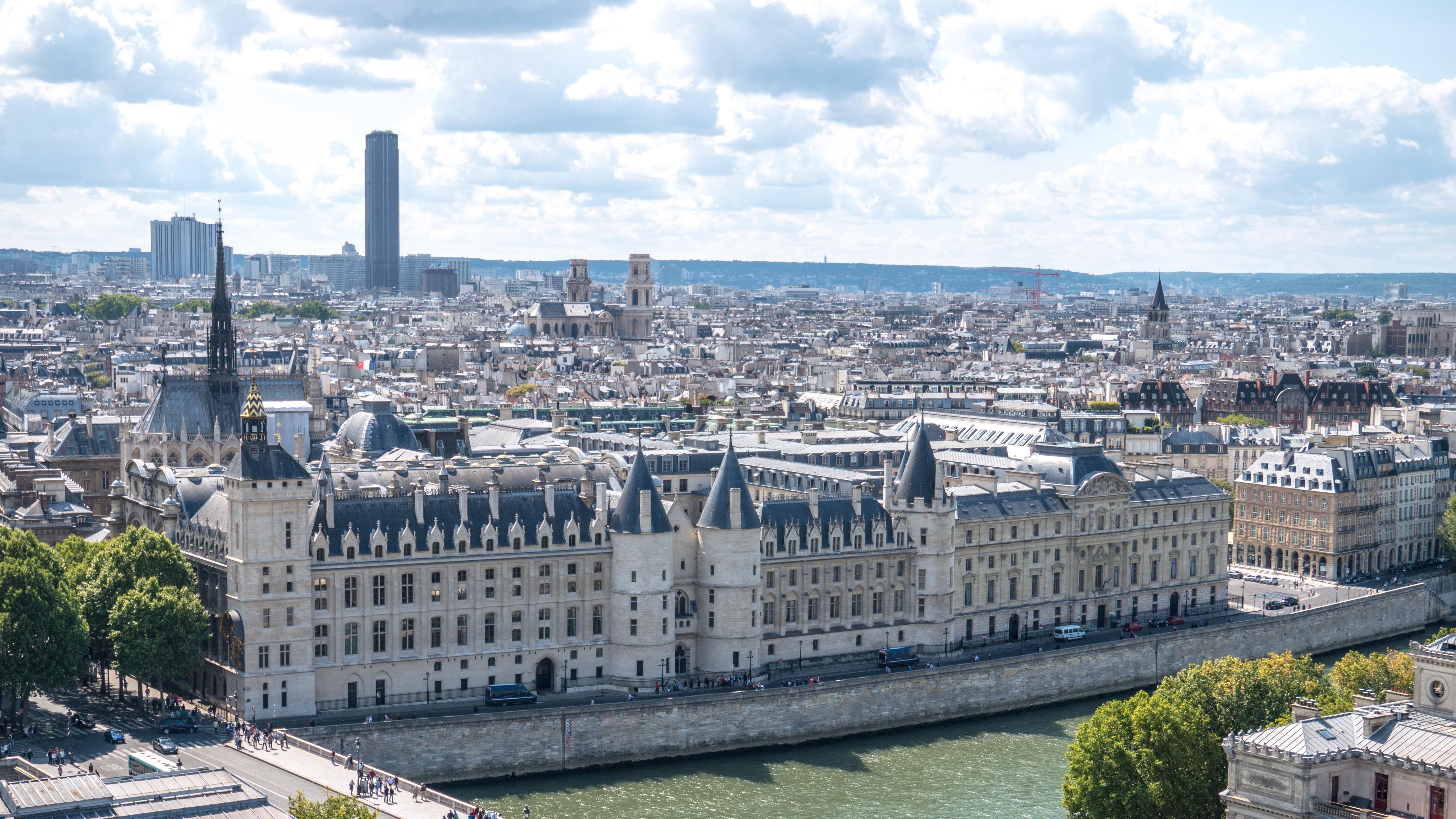 File la conciergerie vue de la tour saint jacques paris ao t wiki - Tour saint jacques paris ...