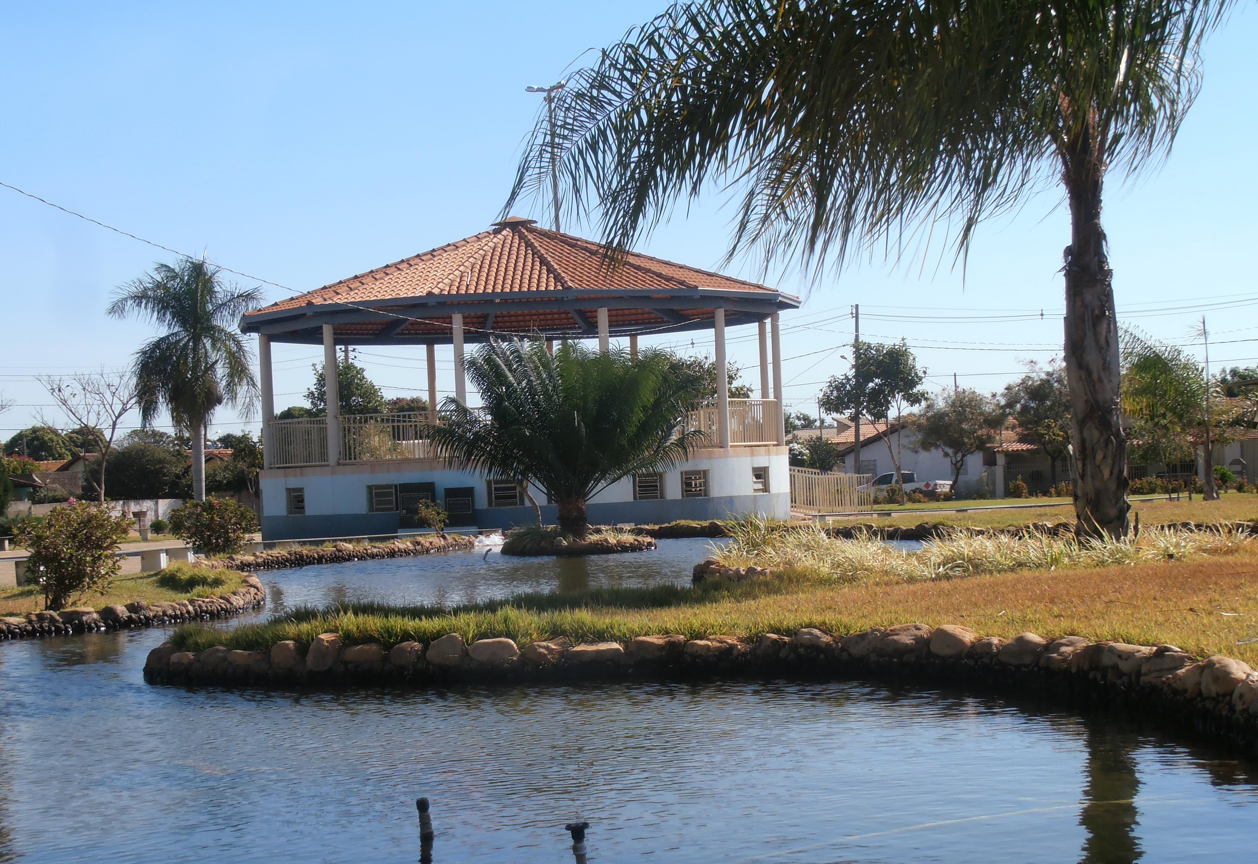 Lagoa Grande Minas Gerais fonte: upload.wikimedia.org