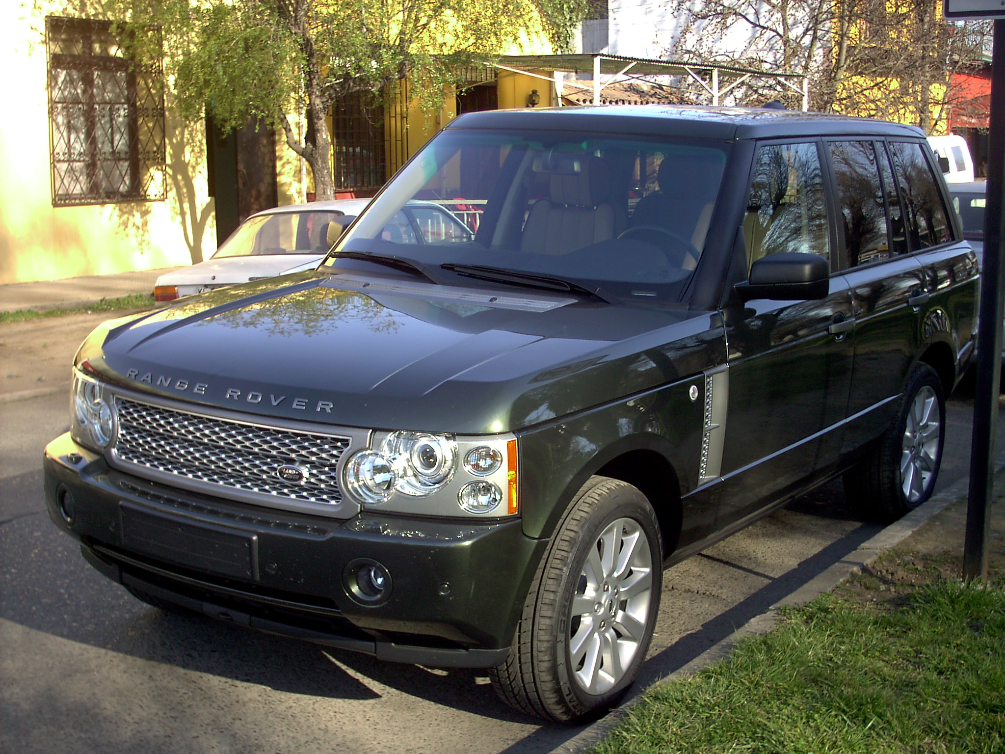 land rover h s e by file land rover range rover hse supercharged 2007 19842957756