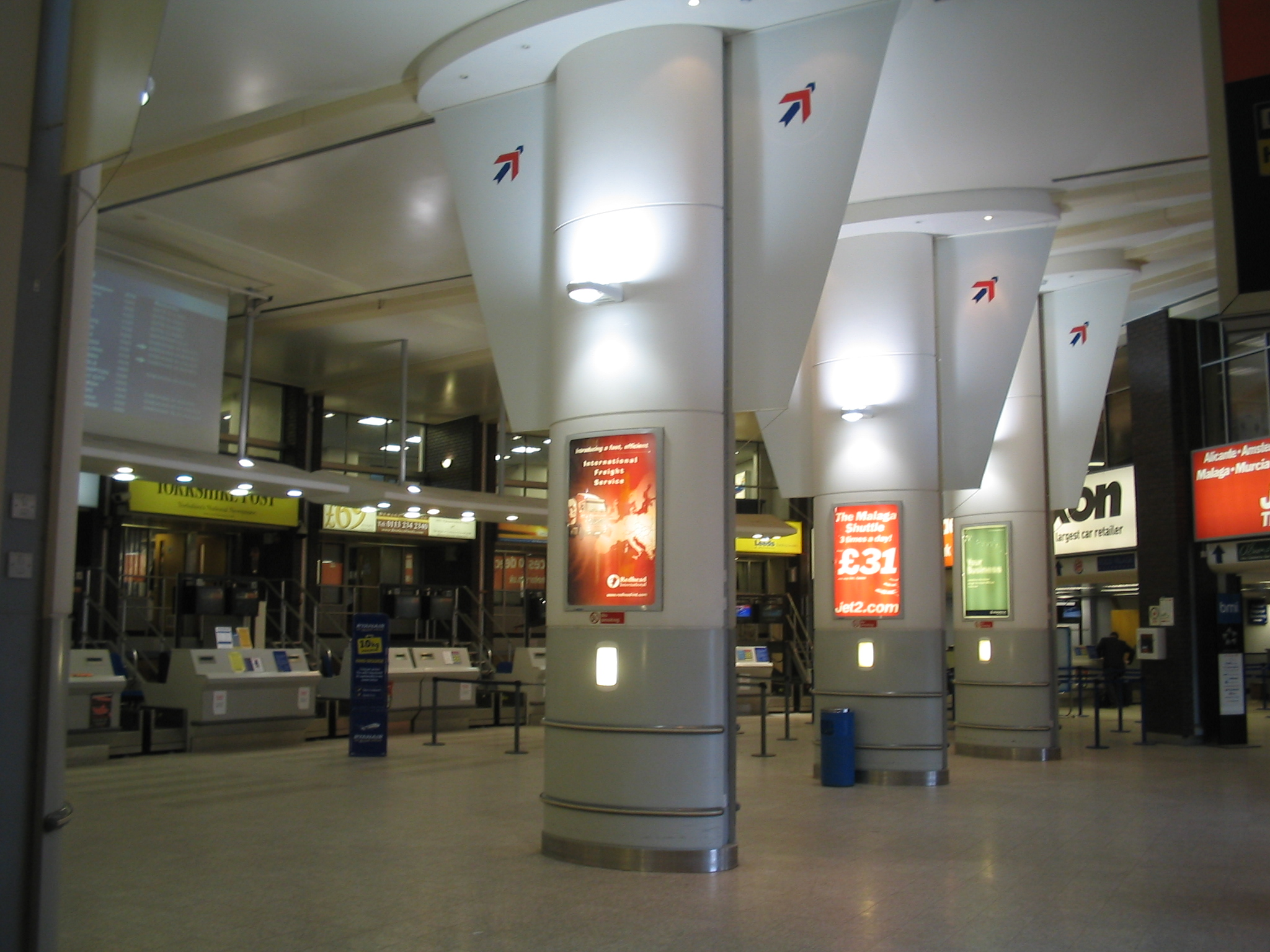 File:Leeds Bradford International Airport terminal, inside ...