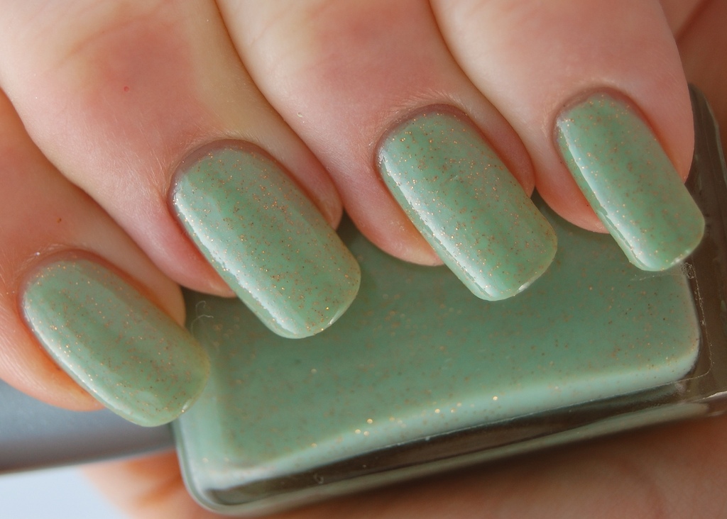 Description Light green nail polish.jpg