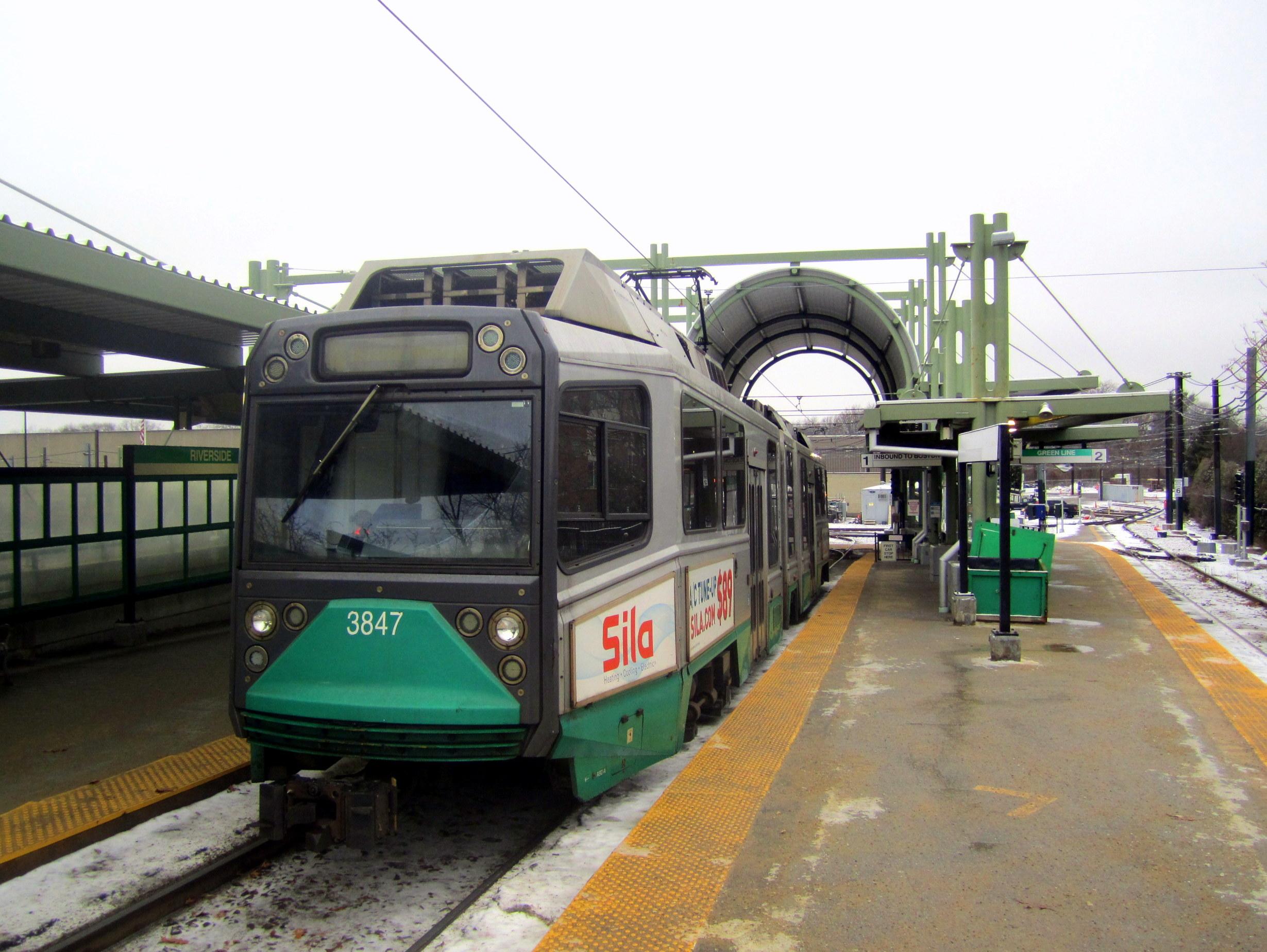 File:MBTA 3847 at Riverside, December 2017 JPG - Wikimedia Commons
