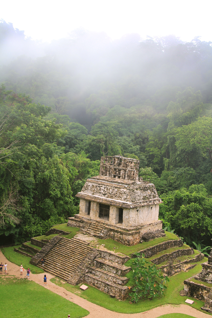 who were the mayans and what The rise and fall of the mayan empire  but that they were only  but sever thinks disaster can be averted if researchers can figure out what the mayans did.