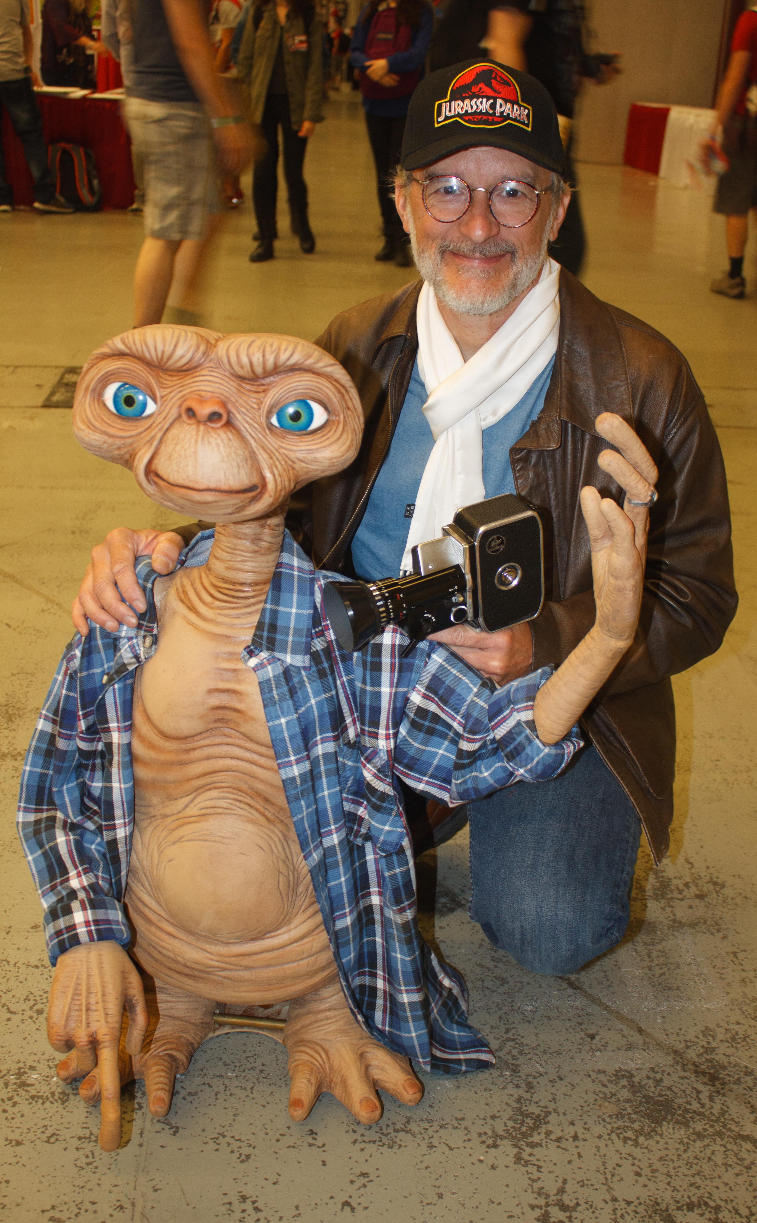 File:Montreal Comiccon 2016 - Steven Spielberg and ET ...