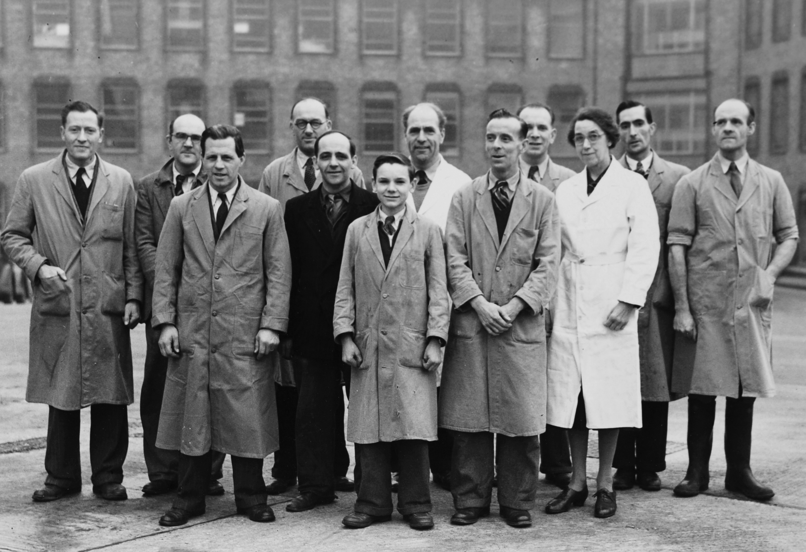 File:NIMR Lab Technicians in Brown and White Coats.jpg - Wikimedia