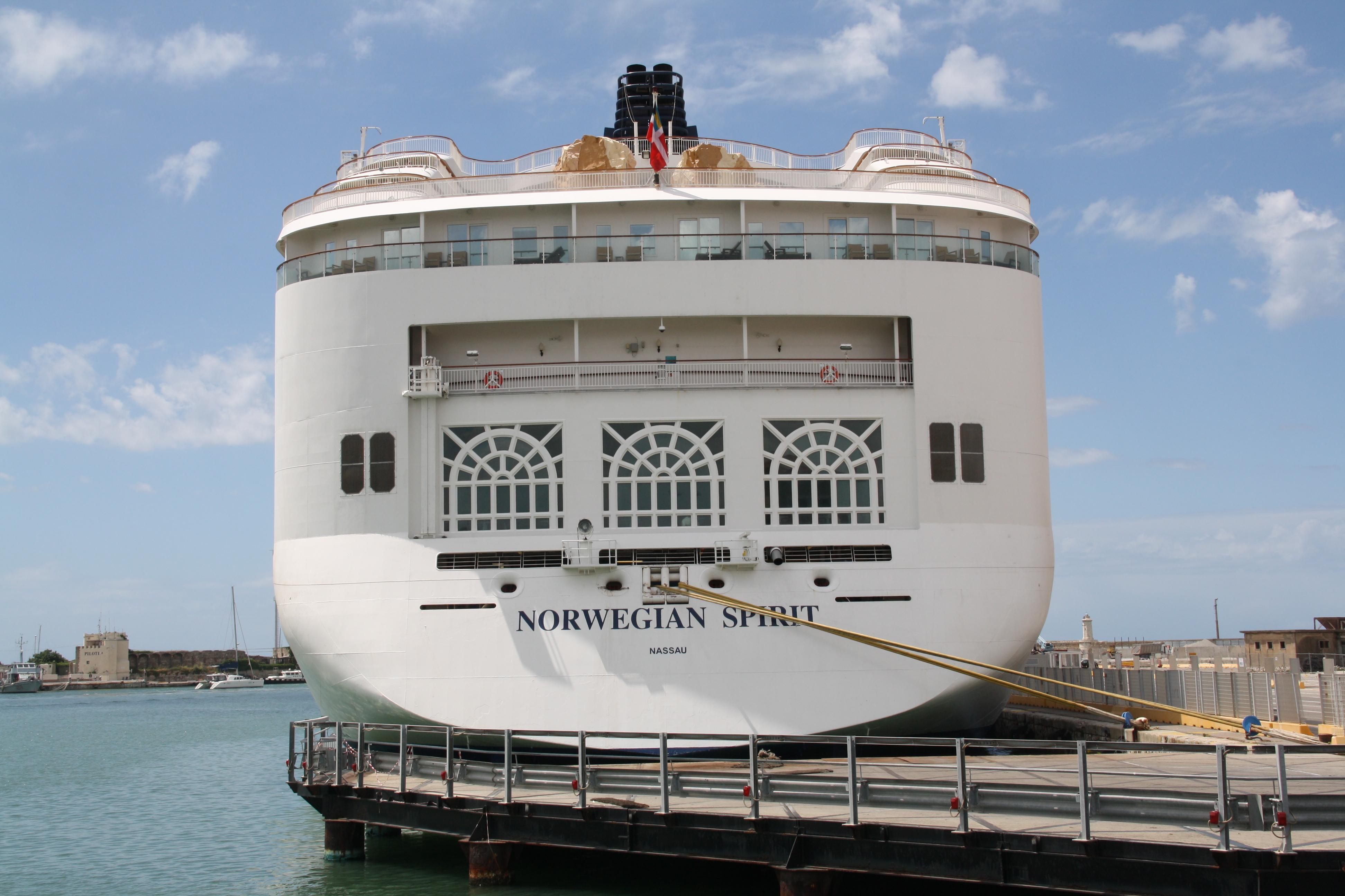 File:Norwegian Cruise Line Norwegian Spirit 11 IMO 9141065 @chesi.JPG ...