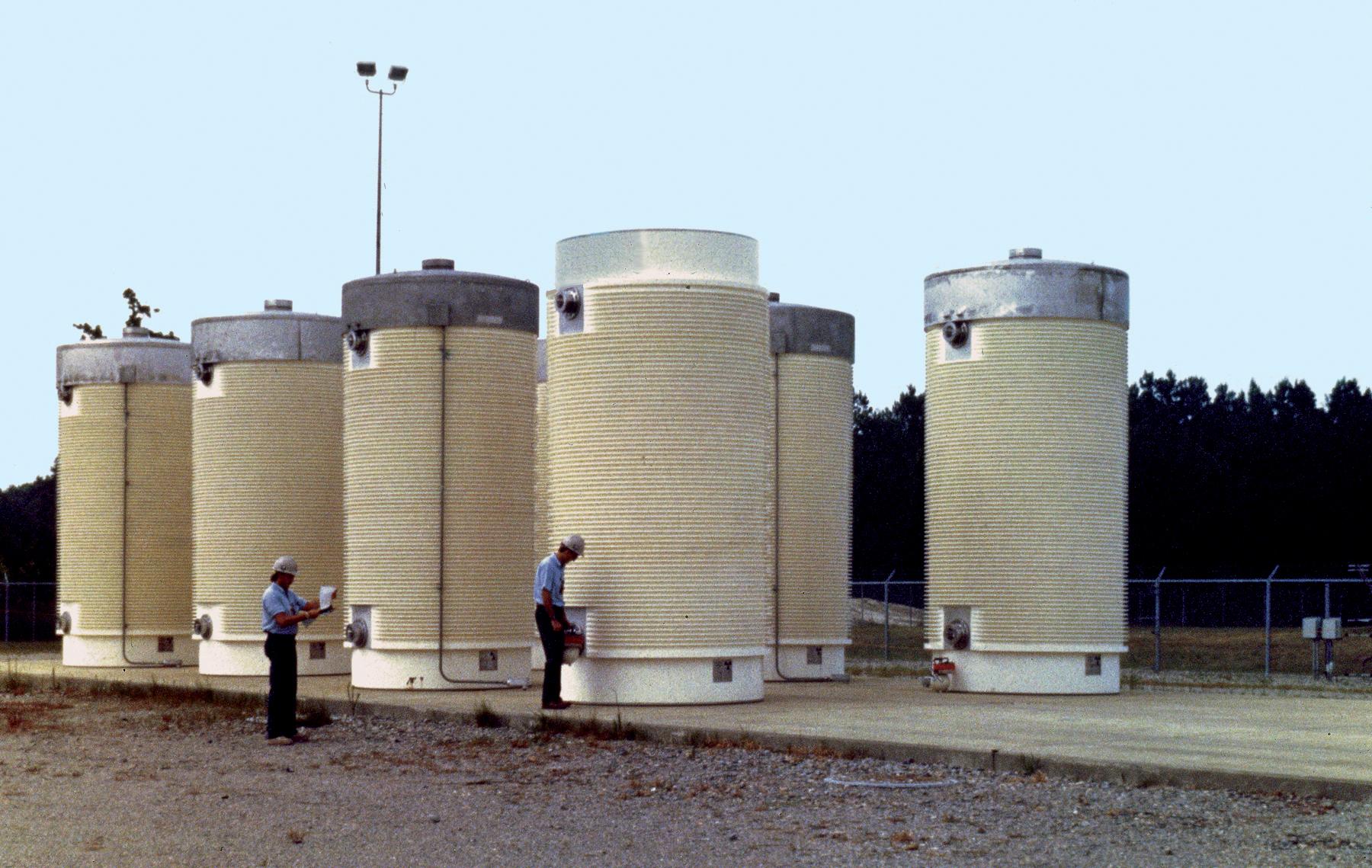 Dry cask storage - Wikipedia