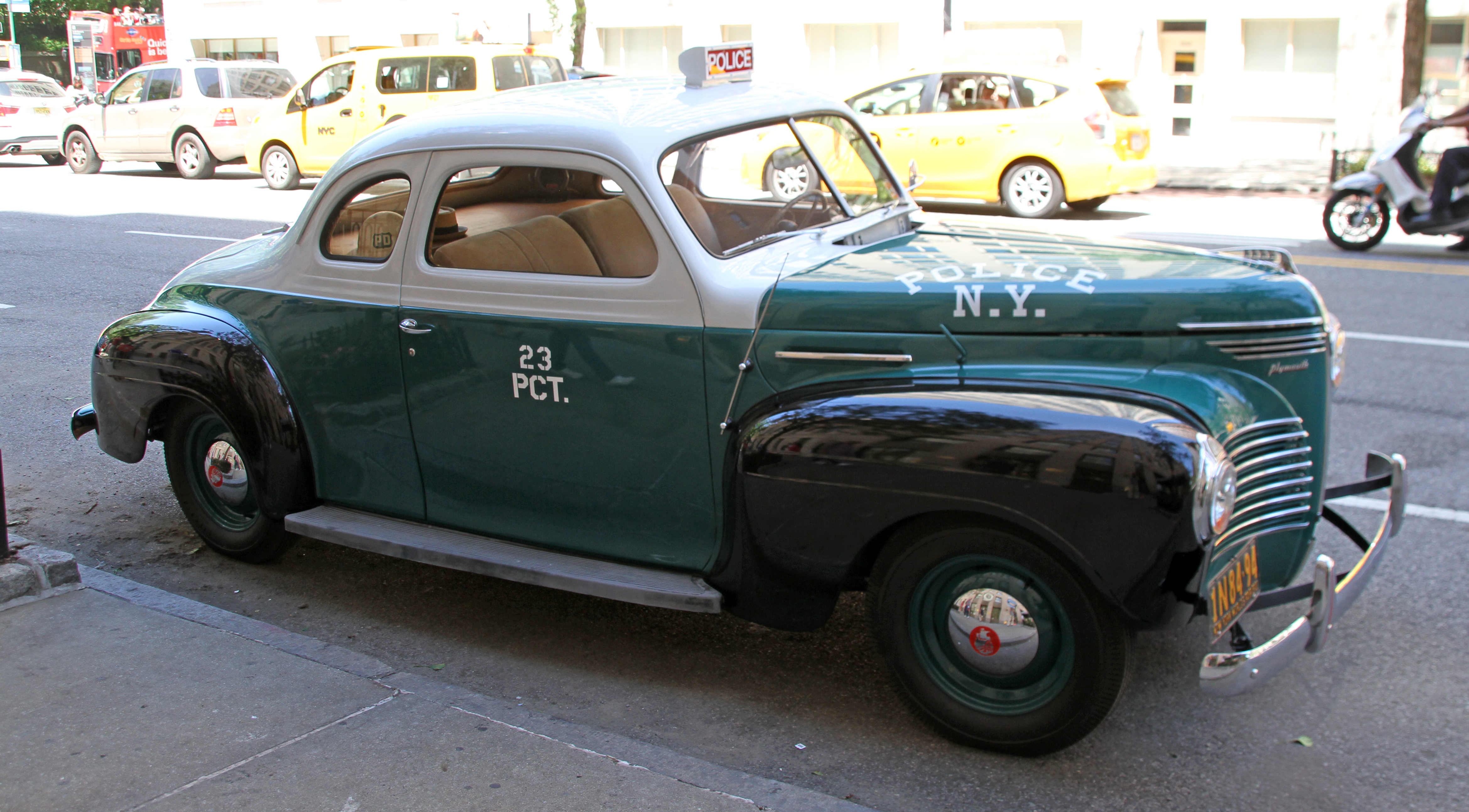 File:Old Plymouth NY Police Car (27920752785).jpg - Wikimedia Commons