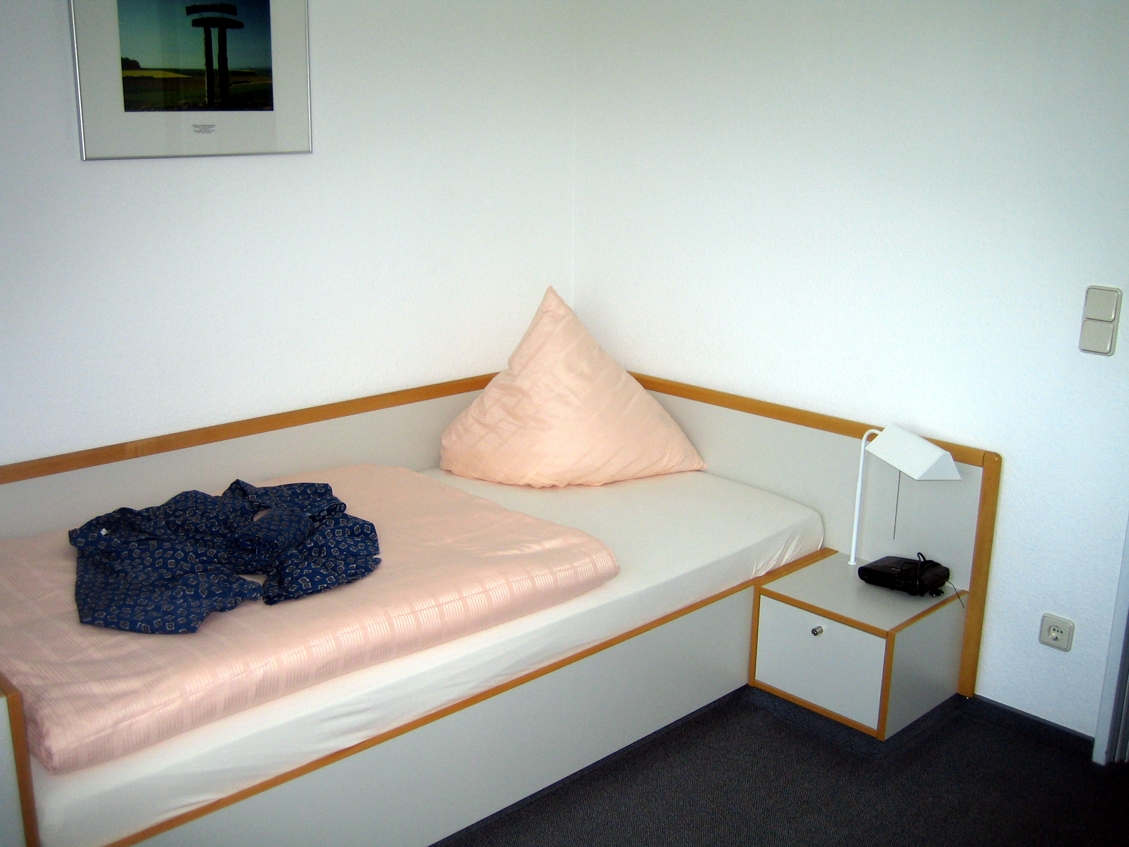 File Otzenhausen lit chambre b¢timent principal Wikimedia