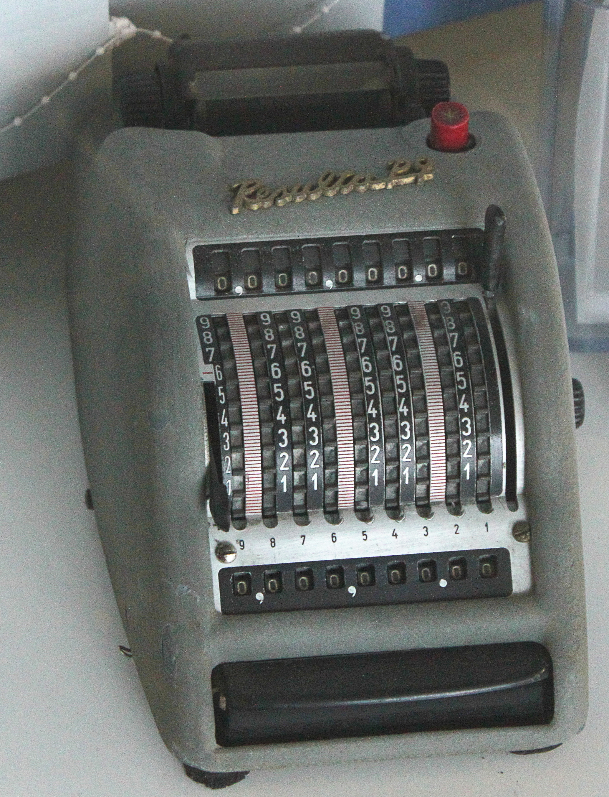 File:Resulta Vintage Mechanical Calculator PD 1.JPG - Wikimedia ...