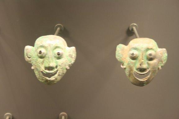 Shang bronze masks, 16-14th.JPG