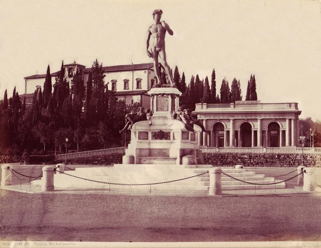 Sommer, Giorgio (1834-1914) - n. 3516 - Firenze - Piazza Michelangelo.jpg