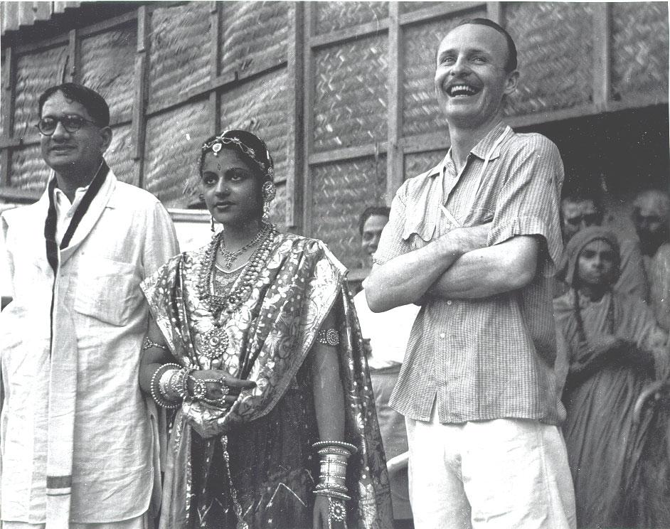 ellis hindu personals El tàmil o tàmul (தமிழ், /tæmɪɻ/) és una llengua dravídica parlada principalment pel poble tàmil del sud de l'índia actualment compta amb 77 milions parlants, 68 milions.