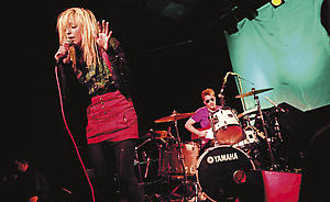 The Ting Tings nastupaju u Northemptonu u martu 2009.