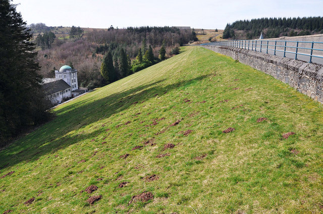 The dam at Pontsticill Reservoir - geograph.org.uk - 1208918