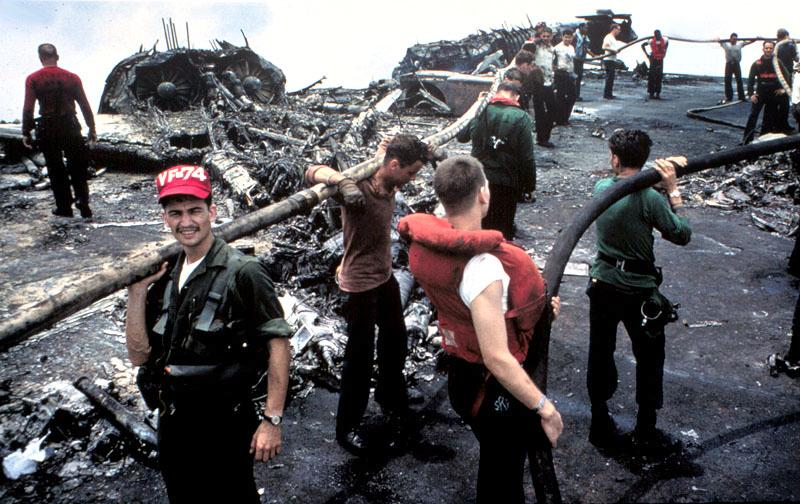 USS_Forrestal_1967_fire_aftermath.jpg