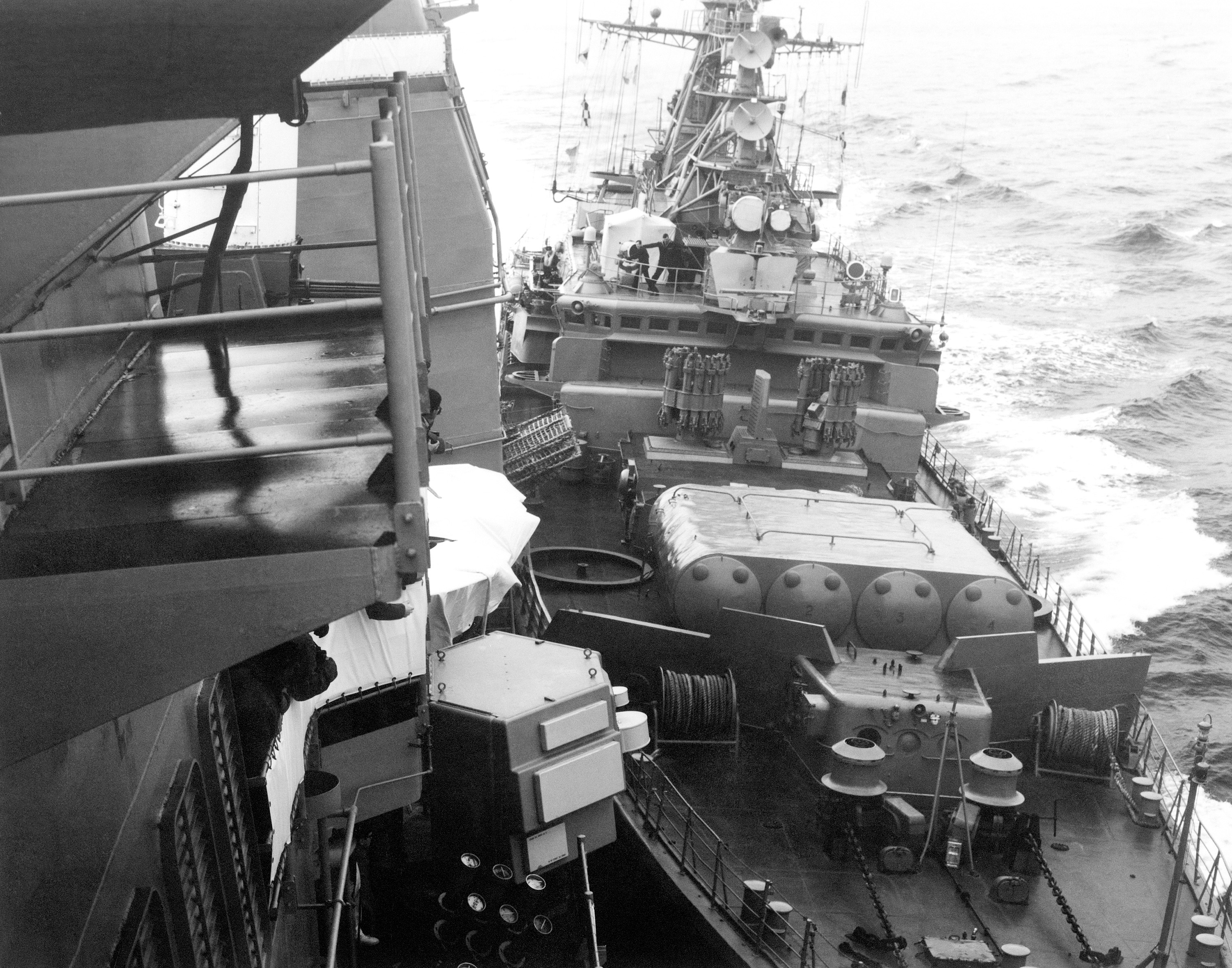The Soviet Burevestnik-class frigate Bezzavetny (FFG 811) collides with the US cruiser USS Yorktown in the 1988 incident.