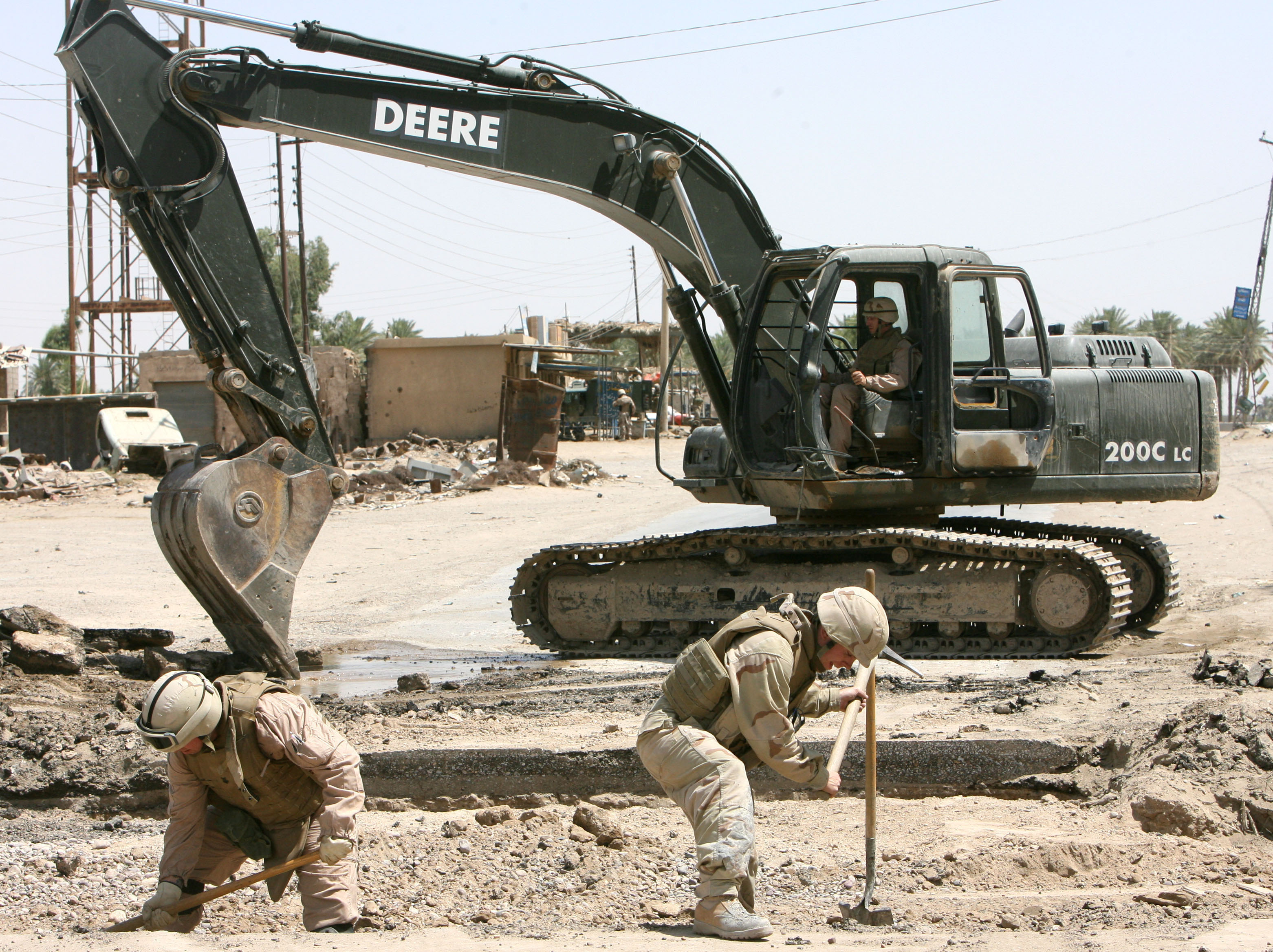 United States Citizens  >> File:US Navy 060616-N-9712C-007 Seabees assigned to Naval ...