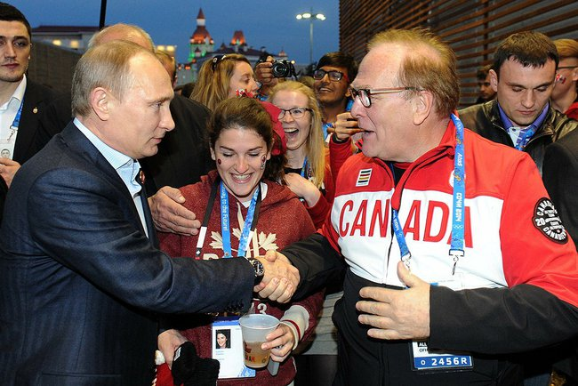 File Vladimir Putin Visited The Us And Canada S Team Fans Houses At The Olympic Park In Sochi 2014 02 14 04 Jpeg Wikimedia Commons