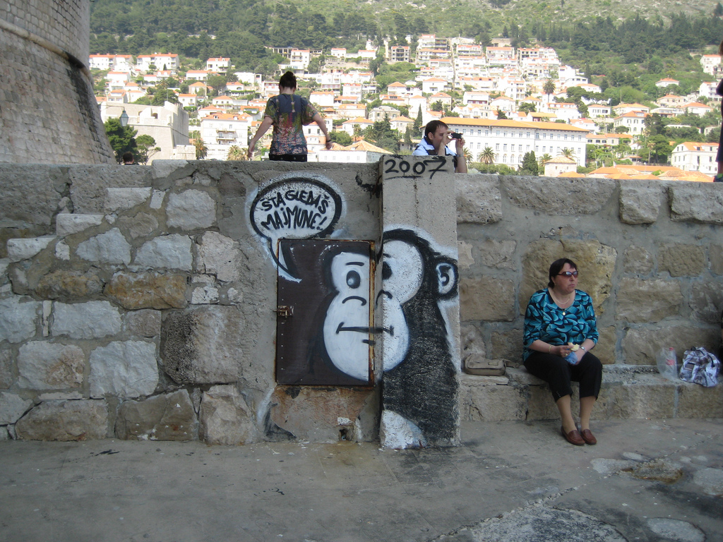 file what are you looking at monkey graffiti in dubrovnik jpg file what are you looking at monkey graffiti in dubrovnik jpg