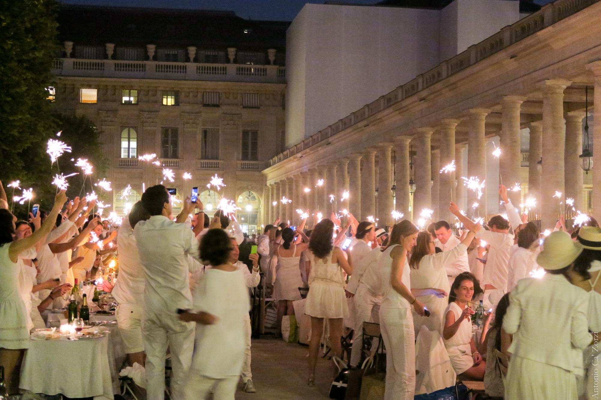 File White Dinner Paris Palais Royal June 2017 09 Jpg