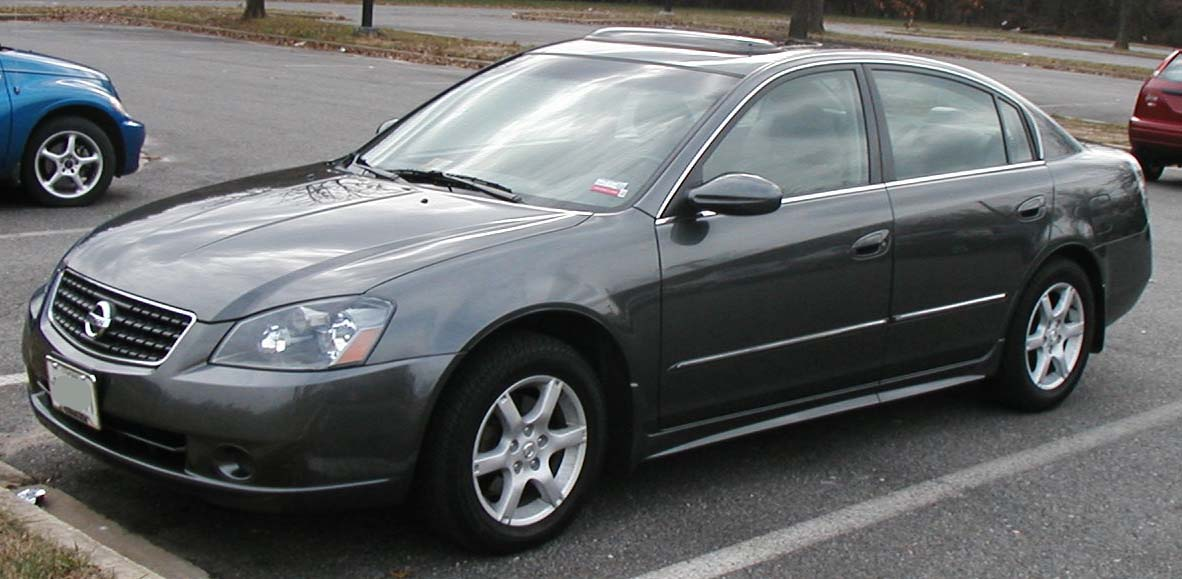 File:05-06 Nissan Altima.jpg - Wikimedia Commons