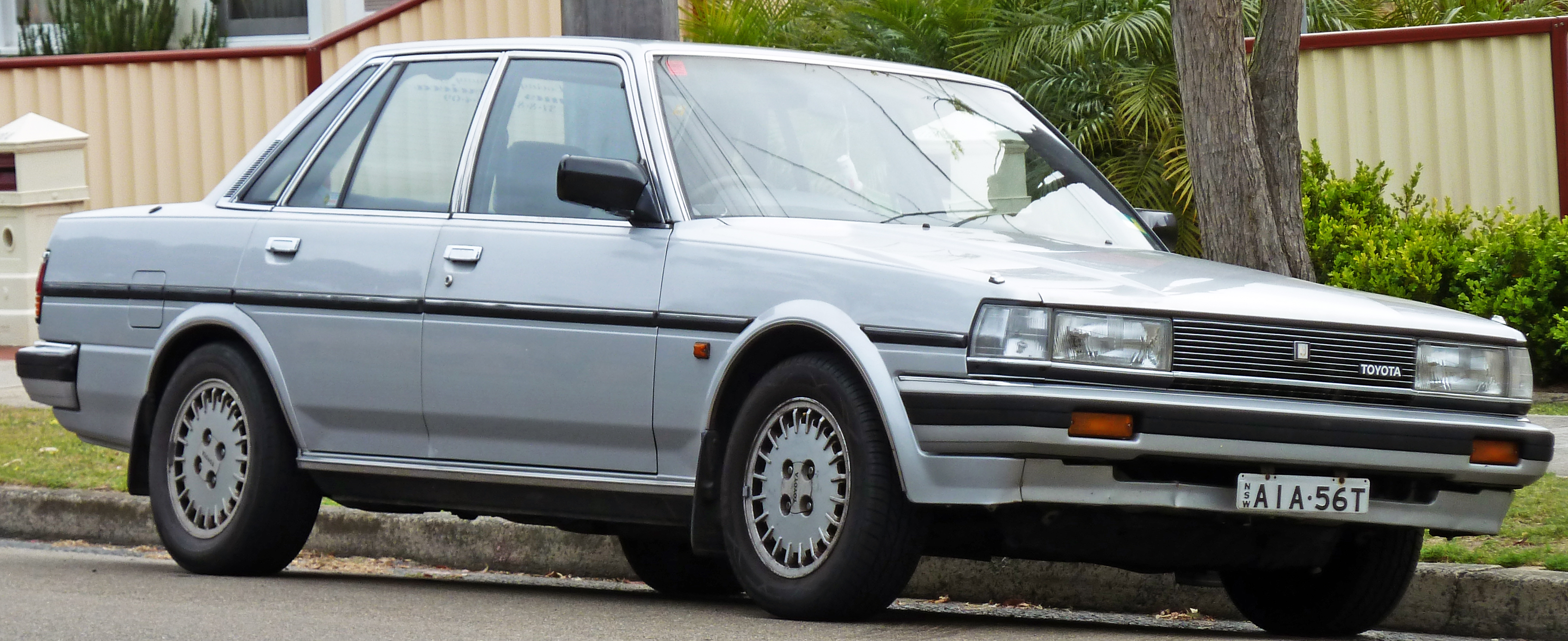 File:1985 Toyota Cressida (MX73) GLX-i sedan (2010-09