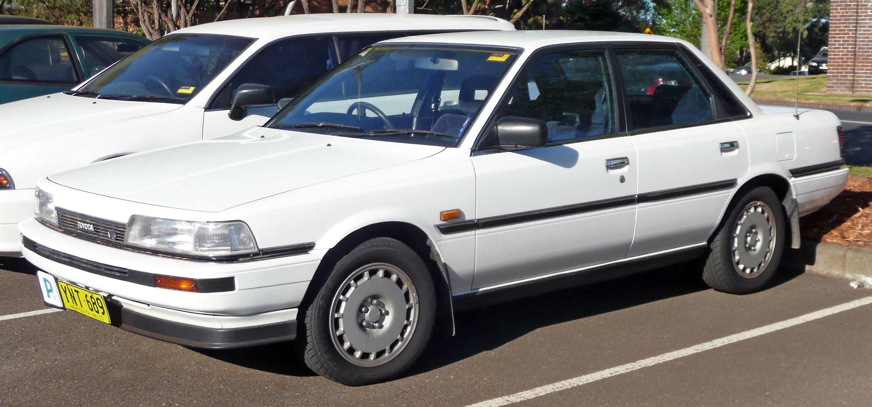 File 1988 1989 Toyota Camry Vzv21 V6 Sedan 01 Jpg