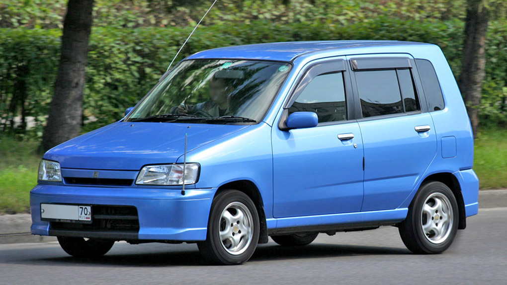 1999 Nissan Cube 01.jpg