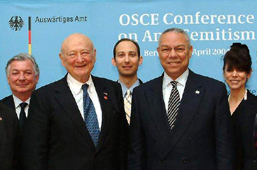 2004 OSCE Anti-Semitism Conference photo op cropped.jpg