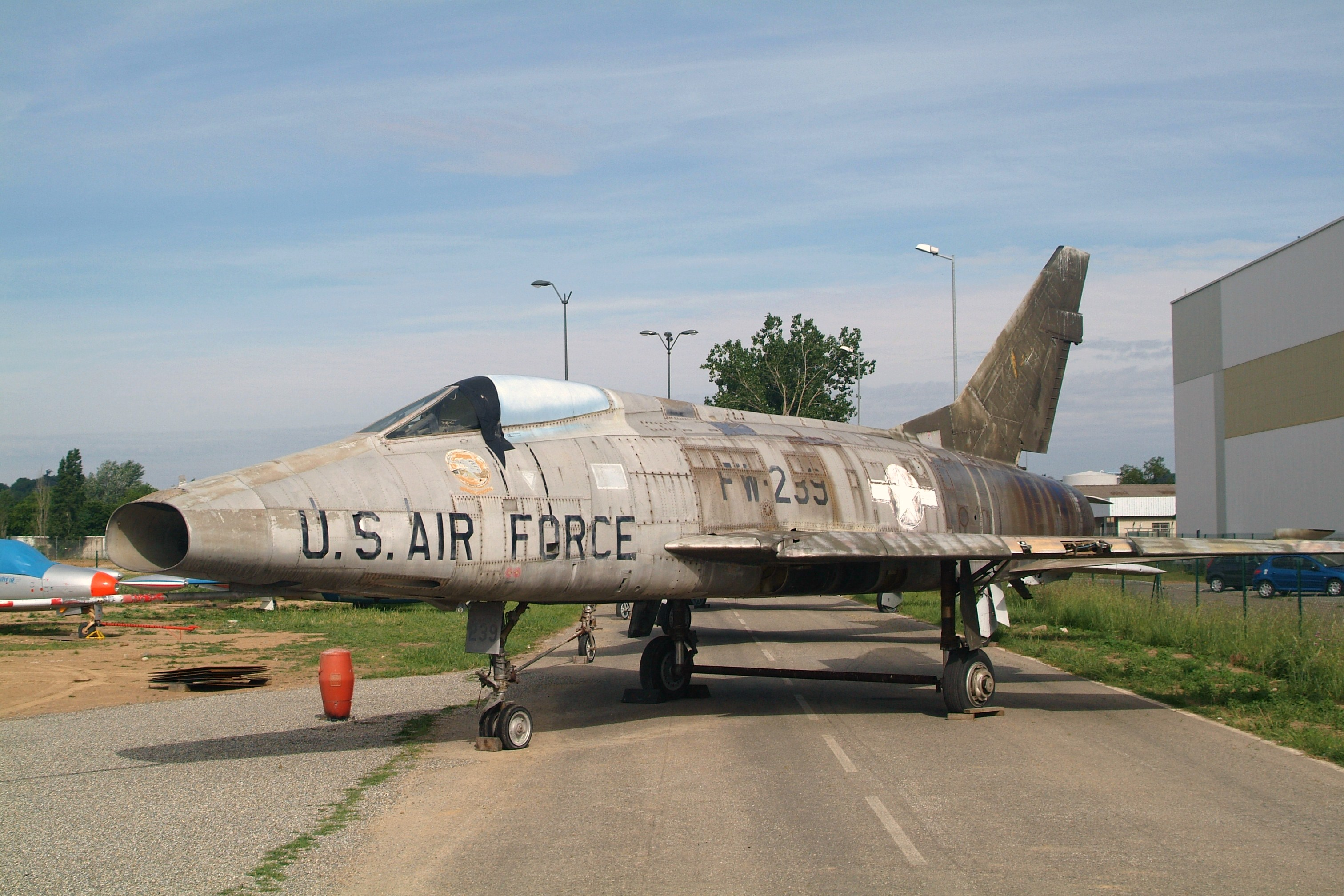 File:54-2239 FW-239 North American F-100D Super Sabre (