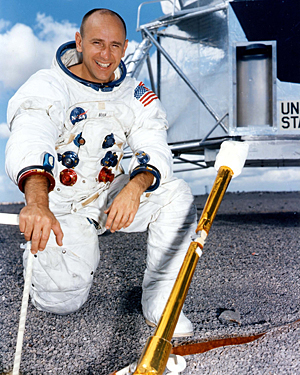 Image of Alan Bean from Wikidata
