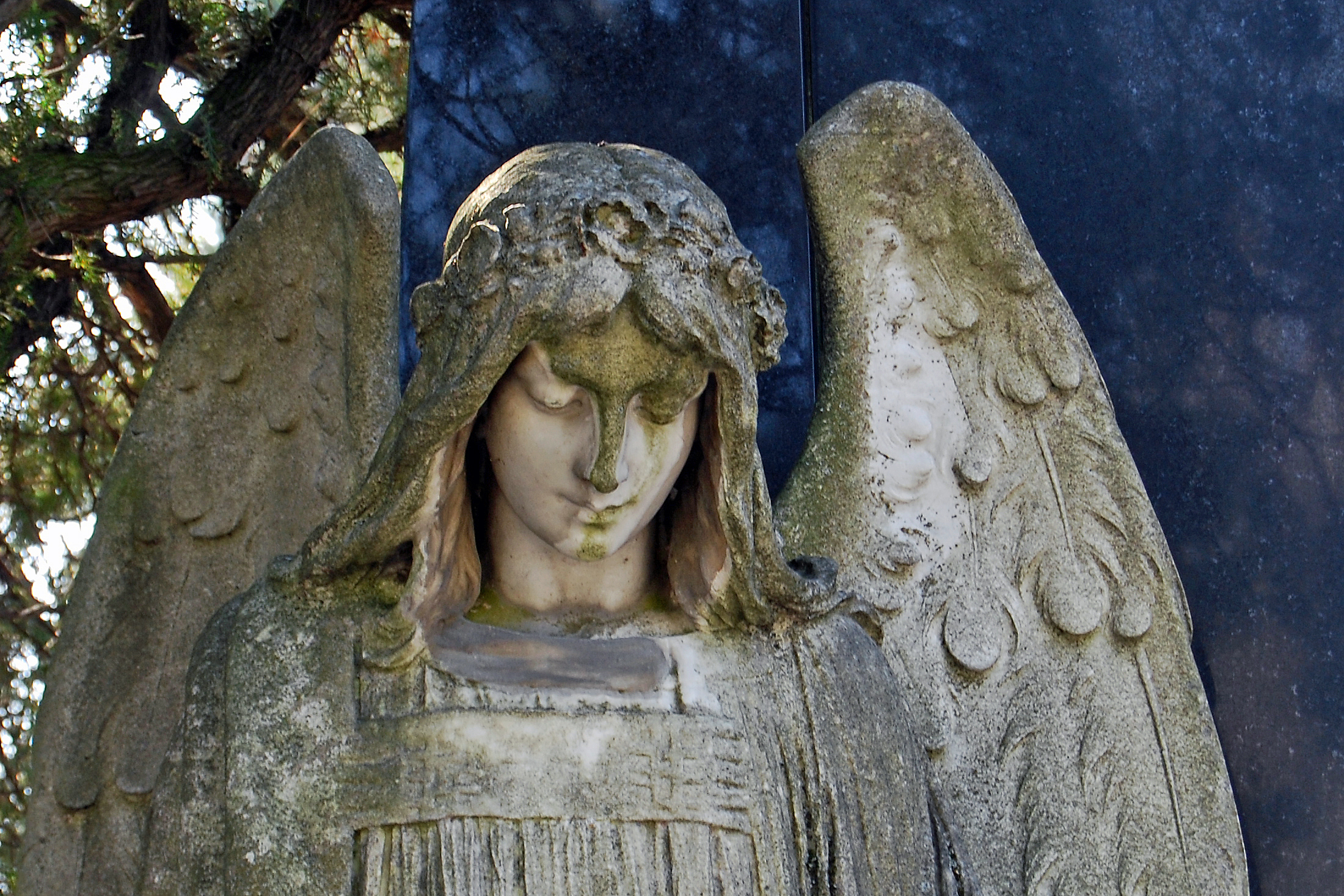 Http Commons Wikimedia Org Wiki File Angel Cemetery Mauer Jpg